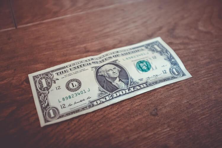 Почему выгодно инвестировать в сайты